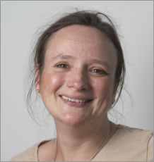 Associate Professor Lorna Harries